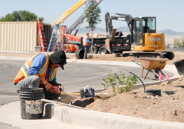 Retail landscaping companies in Murray